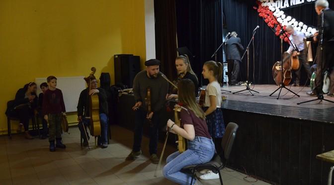 Występ na Potańcówce Andrzejkowej w Zdziłowicach